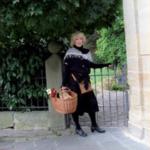 Hier sehen Sie die Gästeführerin Renate Hartenfels